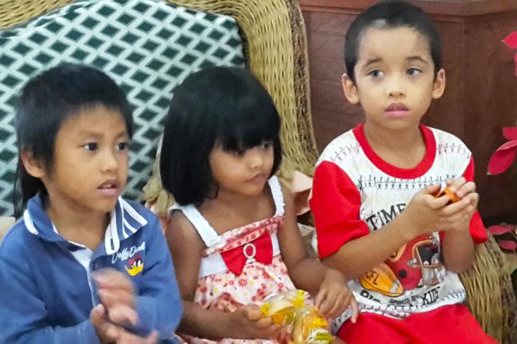 Il piccolo Ivan con i suoi amici