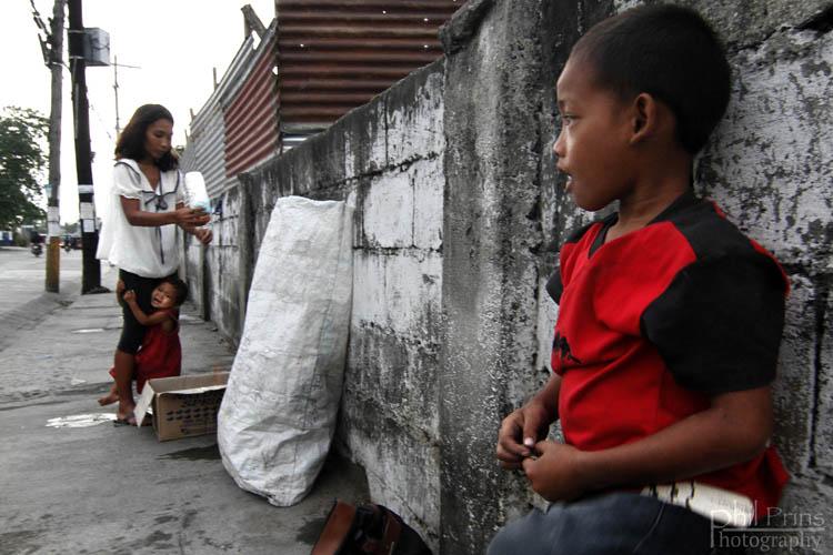 Bambini di strada nelle Filippine