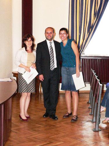 Daniele Battaglia, presidente Alba onlus e due borsiste dell'università di Iasi