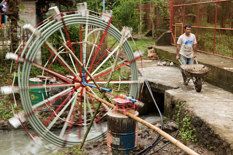 messa in opera water wheel pump