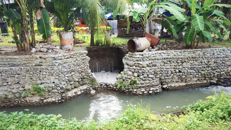 progetto-sviluppo-rurale-difesa-ambientale-acqua-filippine-2a