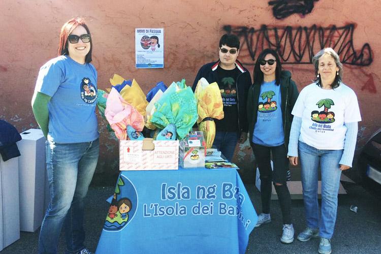 volontari Isla ng Bata Uova di Pasqua