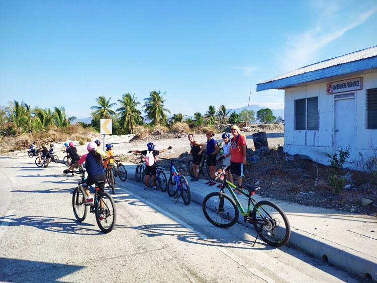 allenamenti-giro-bici-bambine-filippine-salita-santa-catalina-3