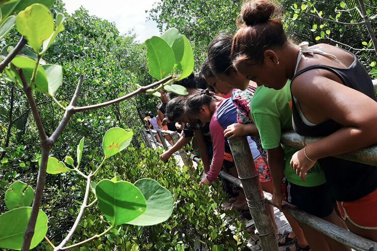 campeggio-educazione-ambientale-bambine-filippine-2