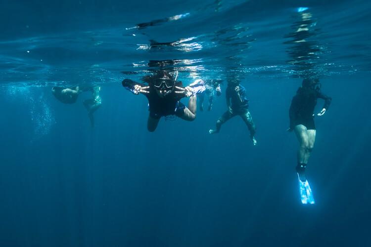 corso-diving-bambine-filippine-isla-2