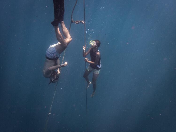 corso-diving-bambine-filippine-isla-4