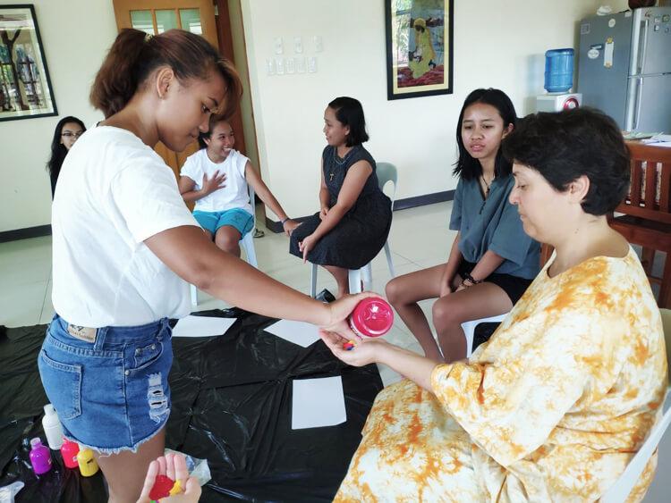 arte-terapia-filippine-volontariato-bambini-2