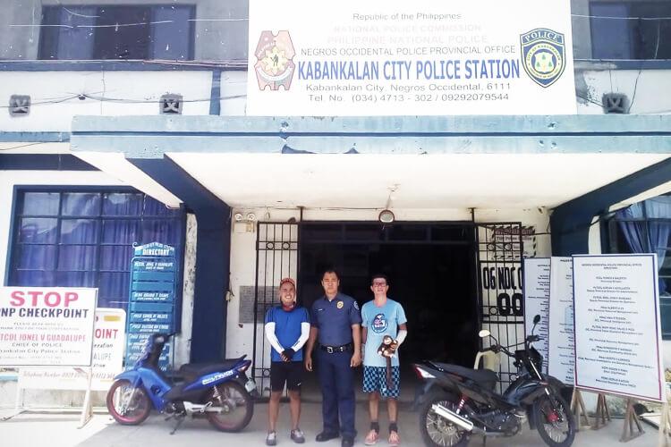 Incontro con la polizia di Kabancalan City, Negros Orientale-7