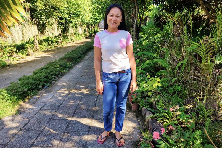 Angelina, supervisore della Casa Famiglia di Isla ng Bata nelle Filippine
