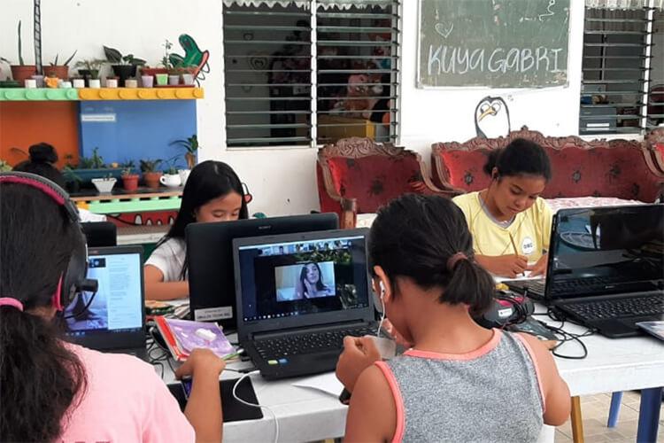Percorso di arteterapia in Casa Famiglia nelle Filippine